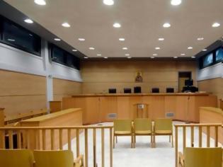 Φωτογραφία για Μήνυση σε δικαστικό υπάλληλο που αρνήθηκε σε δικηγόρο αντίγραφα δικογραφίας