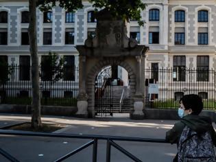 Φωτογραφία για Γαλλία: Κλειστά 81 σχολεία - Συρροές κρουσμάτων σε πάνω από δέκα πανεπιστήμια