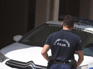Φωτογραφία για Ληστές επιτέθηκαν σε επιχειρηματία στη λεωφόρο Σουνίου: Του έστησαν καρτέρι και άρπαξαν €50.000