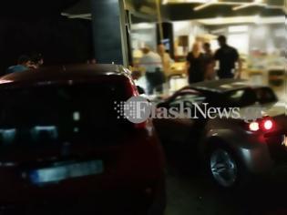 Φωτογραφία για Μπούκαρε με αυτοκίνητο σε κατάστημα για να χτυπήσει συμπατριώτη του-φωτος