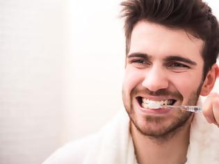 Φωτογραφία για Η νόσος που απειλεί όσους έχουν χάσει έστω και ένα δόντι