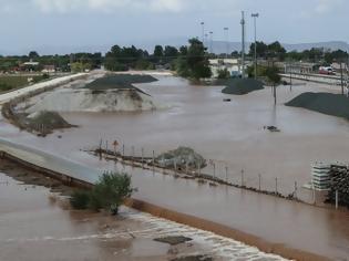 Φωτογραφία για Εικόνες αποκάλυψης στην Καρδίτσα: Πλημμύρισε σχεδόν όλη η πόλη