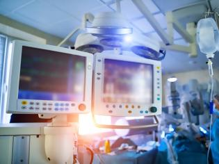 Φωτογραφία για Γιατρός αρνητής του ιού στην εντατική-Πέθαναν σύζυγος και πεθερά