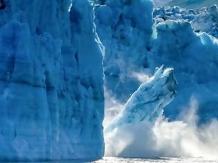 Φωτογραφία για Τρομακτικό: έλιωσε η μεγαλύτερη ποσότητα πάγου της Αρκτικής από το 1979