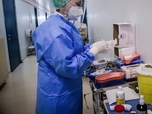 Φωτογραφία για «Βράζουν» τα νοσοκομεία από την αύξηση των διασωληνωμένων - Έρχεται lockdown στους 65αρηδες
