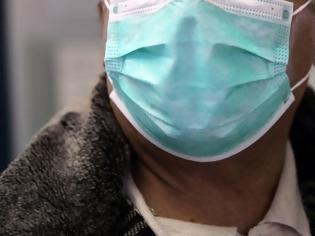 Φωτογραφία για Ποιοι είναι οι άνθρωποι που αρνούνται την μάσκα και τα βάζουν με την επιστήμη και την κοινή λογική