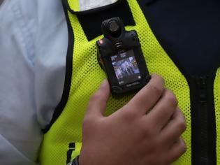 Φωτογραφία για Διαδηλώσεις: Νέα «εποχή» με κάμερες στις στολές των αστυνομικών και ντουντούκες