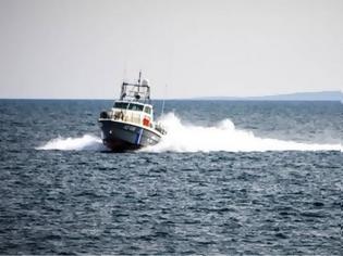 Φωτογραφία για Πόρος: Βυθίστηκε ιστιοπλοϊκό με δύο επιβαίνοντες