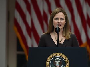 Φωτογραφία για ΗΠΑ - Έιμι Κόνι Μπάρετ: Ποια είναι η βαθιά θρησκευόμενη δικαστής που «ταράζει» τις ΗΠΑ