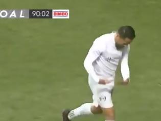 Φωτογραφία για Απίθανο γκολ με τακουνάκι στο τελευταίο λεπτό!