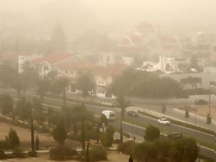 Φωτογραφία για Η σκόνη από την Αφρική Τι περιέχει και τι προβλήματα υγείας προκαλεί; Οδηγίες για ευπαθείς ομάδες