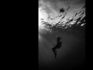 Φωτογραφία για Γάλλος κινηματογραφιστής υμνεί την Ελλάδα: «Ένα πραγματικό φυσικό κόσμημα του πλανήτη»