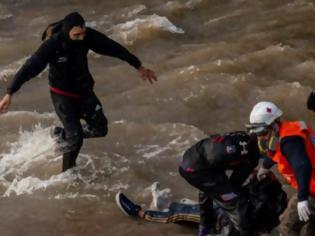 Φωτογραφία για Τουλάχιστον οκτώ μετανάστες πνίγηκαν και 12 αγνοούνται όταν διακινητές τους πέταξαν στη θάλασσα στα ανοικτά του Τζιμπουτί