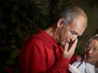 Φωτογραφία για Γαλλίδα που έμεινε 4 χρόνια αιχμάλωτη τζιχαντιστών ξανασμίγει με τον γιο της!
