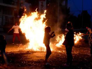 Φωτογραφία για Επεισόδια για τον θάνατο του 18χρονου Ρομά από την Καλαμάτα -Μπλόκα στην Αργολίδα