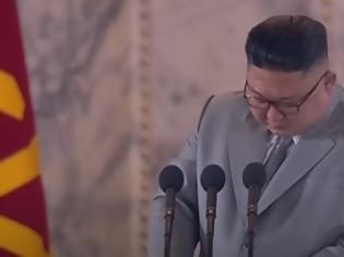 Φωτογραφία για Κιμ Γιονγκ Ουν: Τι κρύβεται πίσω από τα δάκρυα του αυταρχικού ηγέτη;