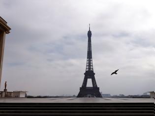Φωτογραφία για Γιατί επεβλήθει απαγόρευση κυκλοφορίας στη Γαλλία τη νύχτα