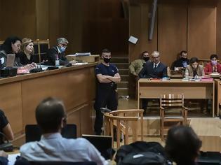 Φωτογραφία για Δίκη ΧΑ - Μιχαλολιάκος: Το μόνο που έκανα, ήταν που σήκωνα το δεξί χέρι