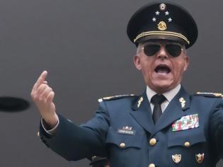 Φωτογραφία για Παραμένει προφυλακισμένος στις ΗΠΑ ο «νονός» πρώην υπουργός Άμυνας του Μεξικού
