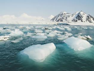 Φωτογραφία για Ο Αρκτικός Ωκεανός έχει αργήσει να παγώσει φέτος. Ποιες οι συνέπειες;