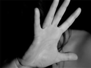 Φωτογραφία για Γαλλία: Φυλάκιση στους συγγενείς Βόσνιας που την κούρεψαν επειδή ήθελε να παντρευτεί Χριστιανό
