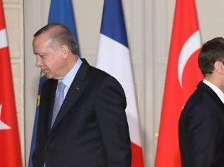 Φωτογραφία για Μακρόν - Ερντογάν: Ο Τούρκος πρόεδρος ρίχνει λάδι στη φωτιά και η Ευρώπη «απαντά»