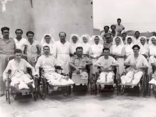 Φωτογραφία για Η περίθαλψη των τραυματιών και ασθενών το 1940. Το πλωτό νοσοκομείο. Οι Νοσηλεύτριες Ερυθροσταυρίτισσες