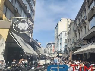 Φωτογραφία για Με τσίπουρα και καφέδες η 28η Οκτωβρίου στη Θεσσαλονίκη (Φωτος)