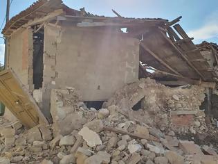 Φωτογραφία για Τραγωδία: Nεκρά ανασύρθηκαν δυο παιδιά από χαλάσματα στη Σάμο
