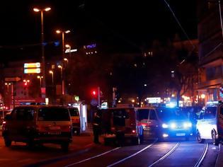 Φωτογραφία για Επιθέσεις από πολλούς τρομοκράτες στη Βιέννη