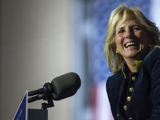 Φωτογραφία για Τζιλ Μπάιντεν: Η πιθανή επόμενη πρώτη κυρία των ΗΠΑ