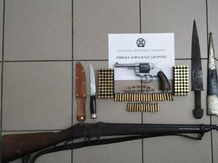 Φωτογραφία για Μάνη: Αρχαίο ξίφος μαζί με άλλα όπλα στο σπίτι 57χρονου!