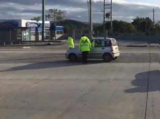 Φωτογραφία για Lockdown: Αυξημένοι έλεγχοι στα διόδια - Γυρίζει πίσω τους παραβάτες η Τροχαία