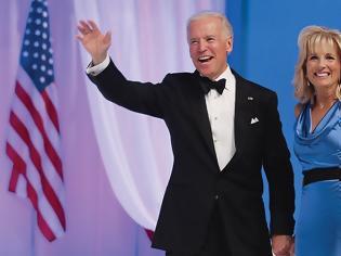Φωτογραφία για Τζιλ Μπάιντεν: Αυτή είναι η νέα «Πρώτη Κυρία» των ΗΠΑ που «έδωσε πίσω τη ζωή» στον Τζο