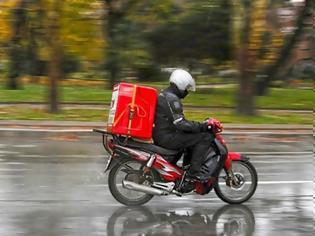 Φωτογραφία για Το delivery και η βόλτα του σκύλου παράγοντες κινδύνου μόλυνσης σε lockdown. Τι πρέπει να κάνετε