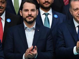 Φωτογραφία για Ο Ερντογάν έκανε δεκτή την παραίτηση του γαμπρού του από τη θέση του υπουργού Οικονομικών