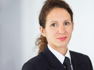 Φωτογραφία για Χριστίνα Ρούτση, μια Ελληνίδα εκπρόσωπος Τύπου στο γερμανικό υπουργείο Άμυνας
