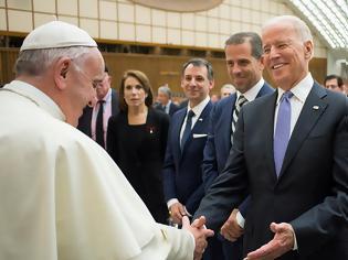 Φωτογραφία για Συγχαρητήρια από τον Πάπα έλαβε ο Μπάιντεν