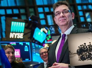 Φωτογραφία για Άλμπερτ Μπουρλά: Ο «εγκέφαλος» της Pfizer ως... λυκόπουλο στην 6η Αγέλη Ναυτοπροσκόπων Λευκού Πύργου!