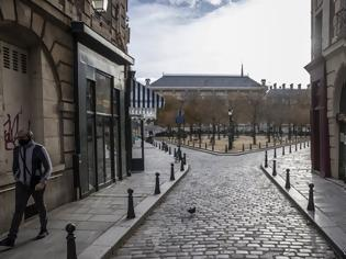 Φωτογραφία για Παρίσι: Ερημιά στην πόλη του φωτός - Άδειες από κόσμο οι λεωφόροι