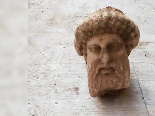 Φωτογραφία για Πρωτότυπο έργο του 4ου αιώνα π.Χ. η κεφαλή της Αιόλου