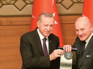 Φωτογραφία για Η πτώση της λίρας «πλάκωσε» τον Τούρκο Μίδα: