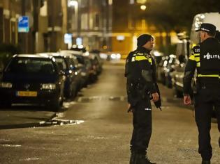 Φωτογραφία για «Τρομοκρατικά κίνητρα» πίσω από την επίθεση στην πρεσβεία της Σαουδικής Αραβίας στη Χάγη