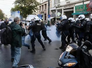 Φωτογραφία για Πάνω από 8.000 υπογραφές κατά της αυταρχικότητας της κυβέρνησης