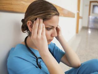 Φωτογραφία για Γιατροί, νοσηλευτέ με burnout. Σύνδρομο επαγγελματικής εξουθένωσης ή σύνδρομο burnout. Κάντε το τεστ για να δείτε αν πάσχετε