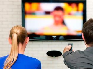 Φωτογραφία για Αντιφατικά μηνύματα από την Κυβέρνηση προς τους τηλεοπτικούς σταθμούς