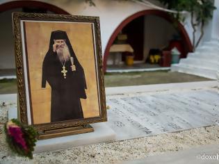 Φωτογραφία για Θαυμαστή εμφάνιση του Αγίου Ιακώβου Τσαλίκη, στον ιατρό κ. Γεώργιο Ιωαννίδη