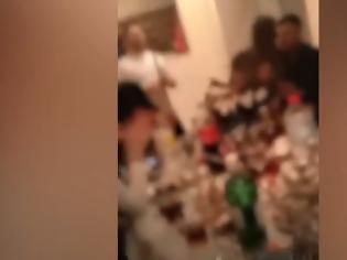 Φωτογραφία για Κρητικό γλέντι εν μέσω κορωνοϊού - Μάστιγα τα «κορωνοπάρτι» σε σπίτια