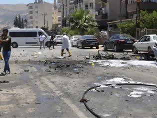 Φωτογραφία για Συρία: Τουλάχιστον 30 νεκροί σε επιθέσεις εναντίον φιλότουρκων ανταρτών