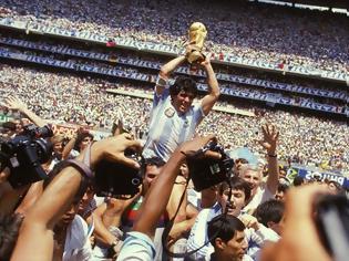 Φωτογραφία για Ντιέγκο Μαραντόνα: Έφυγε από τη ζωή ο θρύλος του παγκοσμίου ποδοσφαίρου